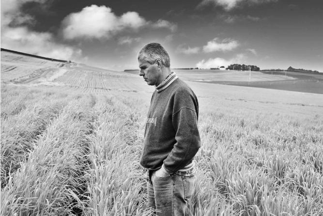 Portrait of farmer Lauran Damen form Kindred Organics, Tasmania 2015